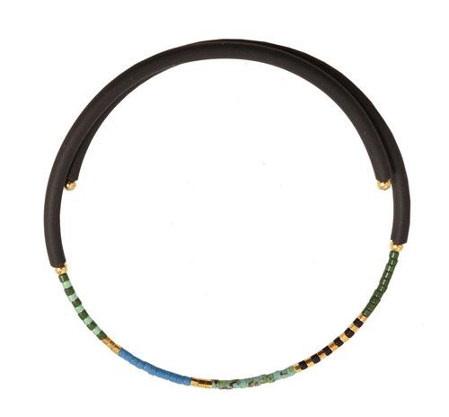 armbånd med memory wire og delica perler