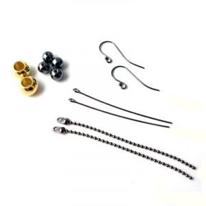 øreringe med kuglekæde og stålperler