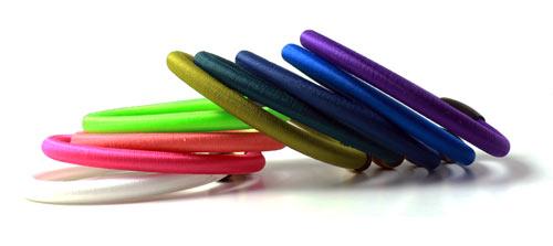 farverige armbånd med tube bånd
