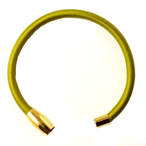 armbånd med grønt tube bånd