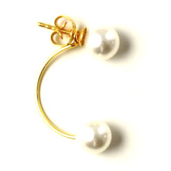 øreringe i forgyldt sterlingsølv med svævede perler