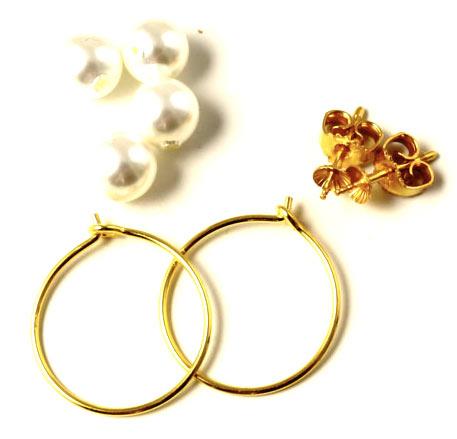 forgyldt kreoler med shell pearls