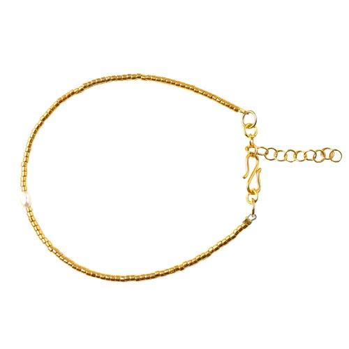 Armbånd med delica perler i forgyldt 24K og ferskvandsperle
