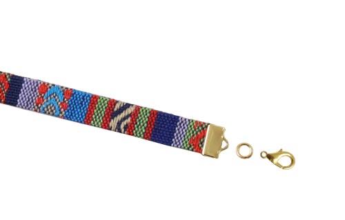 båndafslutning og karabinlås til etnisk armbånd