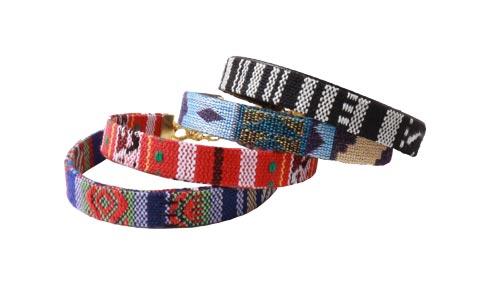 etniske armbånd med fladt bånd