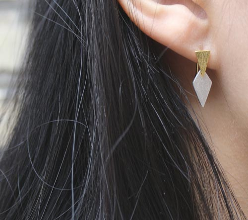 øreringe med spidse trekanter