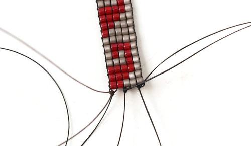 afslutning af lav selv vævet armbånd med delica perler