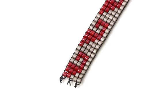lav selv vævet armbånd med delica perler afslutning