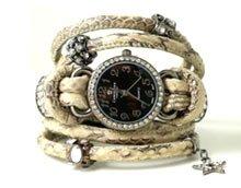 DIY Armbånd med ur i slange- eller lammeskind.