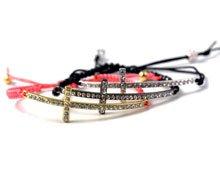 DIY Armbånd med kors, Fatimas hånd og krystaller.