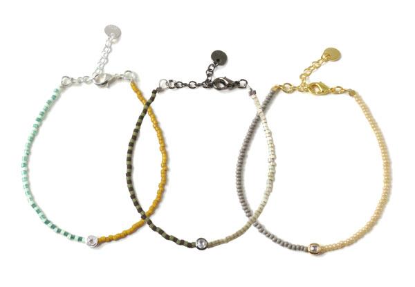 Armbånd med wire og delica perler