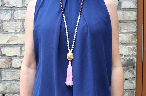DIY Mala necklace halskæde med howlit og træperler