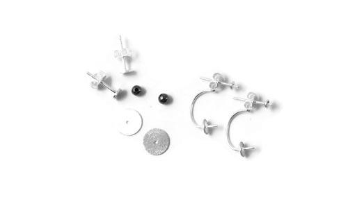 Øreringe med små sten og sølvplader