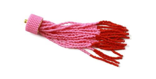 DIY øreringe med lyserøde og orange frynser