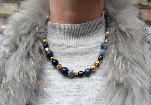 halskæde med lapis lazuli, onyz og agat
