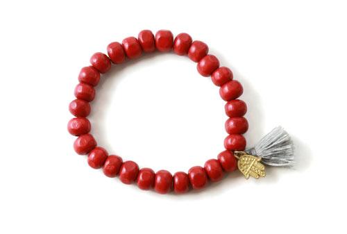 DIY Mala armbånd med røde træperler