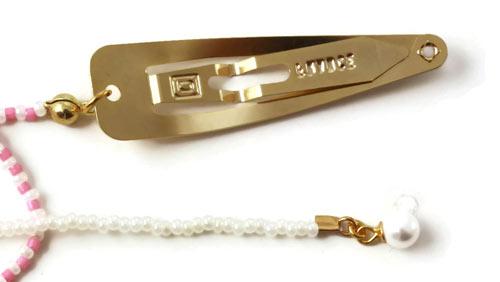hårklips med streng af delica og seed beads