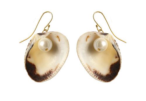 ørering med muslingeskaller og shell pearls