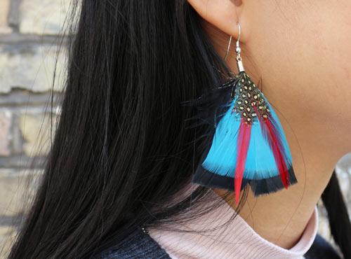 øreringe med fjer