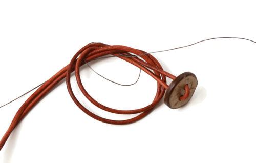 DIY vævede armbånd med tilabeads og kokosknap
