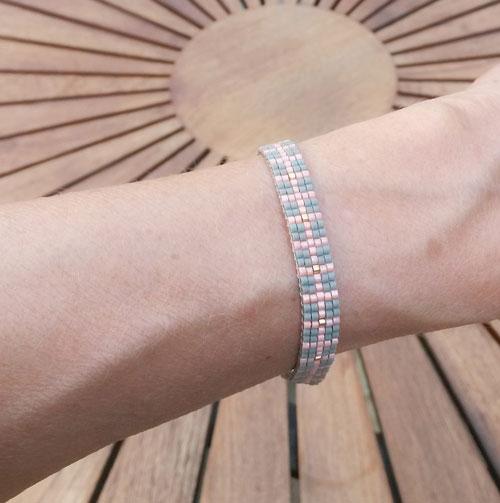 diy vævet armbånd med delica perler