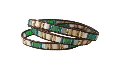 Armbånd med Tila beads i blå og grønne nuancer