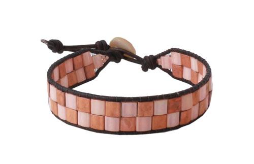 Armbånd med 2 rækker Tila beads og læderkant