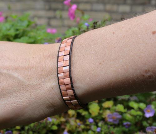 Armbånd med 2 rækker Tila beads