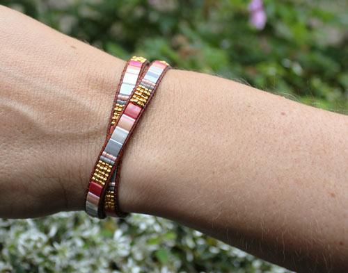Armbånd med Tila beads i rosa/grå nuancer