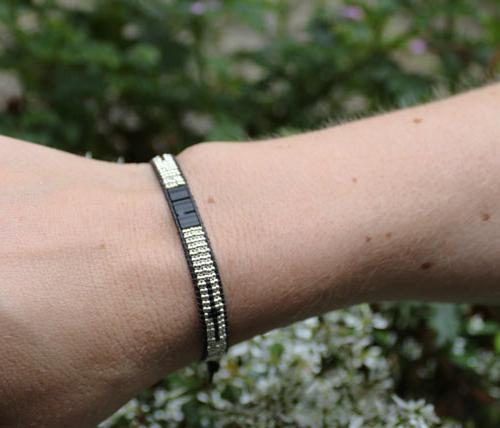 Armbånd med Tila beads og seed beads