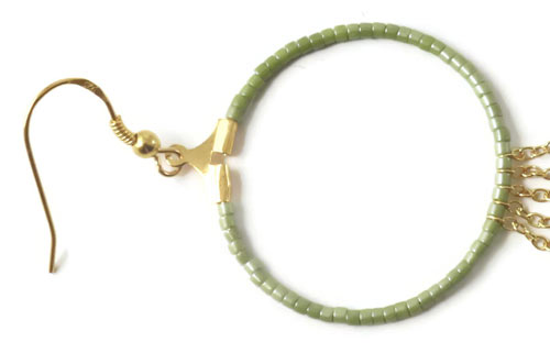 kreol hænger med perler og ørekrog