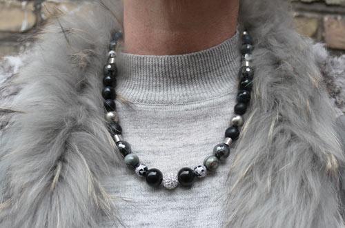 halskæde med onyx, hematit og falkeøje