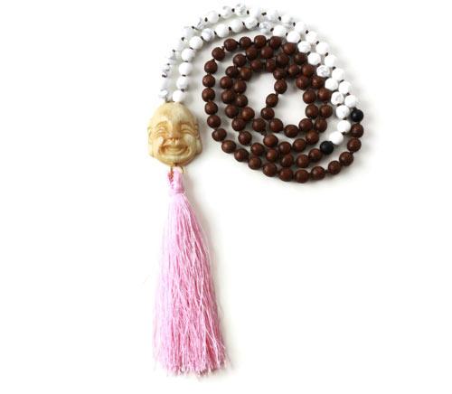 DIY Mala necklace halskæde med howlit og træperler og buddha