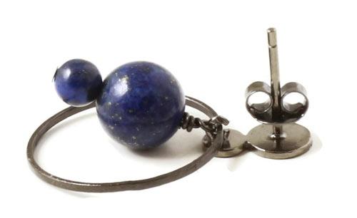 ørestik med lapis lazuli, mønter og ringe