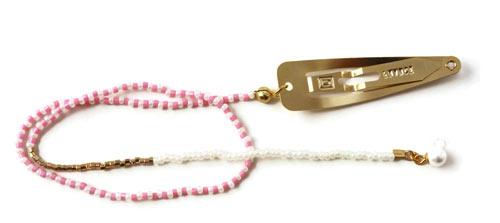 kæde med perler og hårklips
