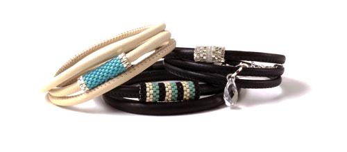 Læderarmbånd med peyote stitch rør