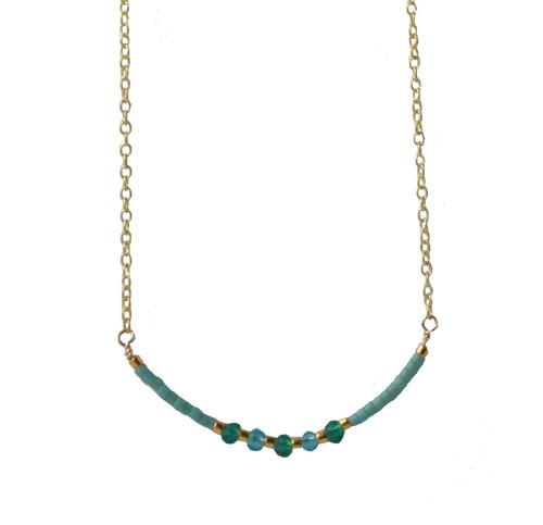 Halskæde med forgyldt kæde og delica perler