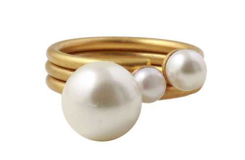 Fingeringe med shell pearls