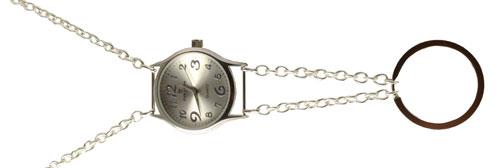 Keyhanger med kæde og sølvfarvet ur
