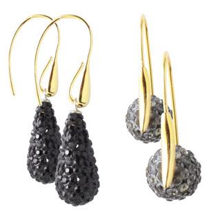 Øreringe med dråber og perler med krystaller