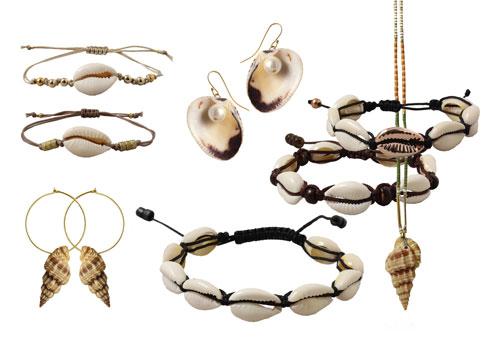 smykker med cowrie shells, konkylier og muslingeskaller
