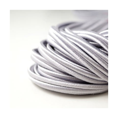 Russisches Flechtband, breit, hellgrau, 6x2 mm, 1 Meter.